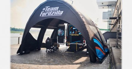 """Team Fordzilla supports local children's charities with Europe-wide """"Gaming Transit"""" road trip (Copyrights / Photographer: Ford-Werke GmbH, Germany)"""