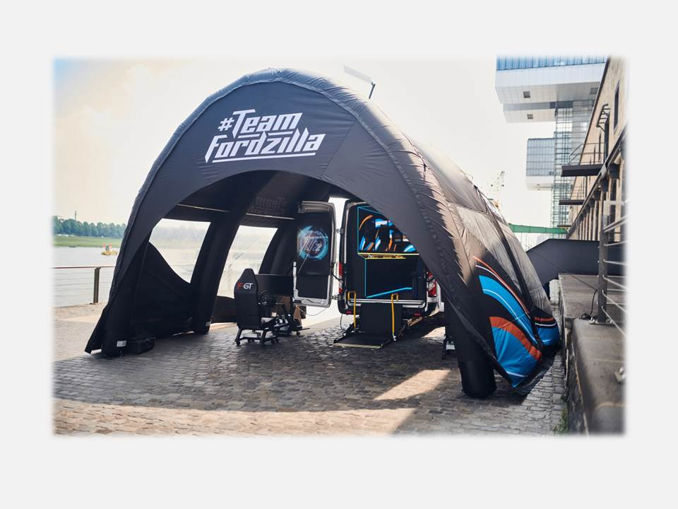 """Innovative event ideas: Roadshow - Team Fordzilla supports local children's charities with Europe-wide """"Gaming Transit"""" road trip (Copyrights / Photographer: Ford-Werke GmbH, Germany)"""